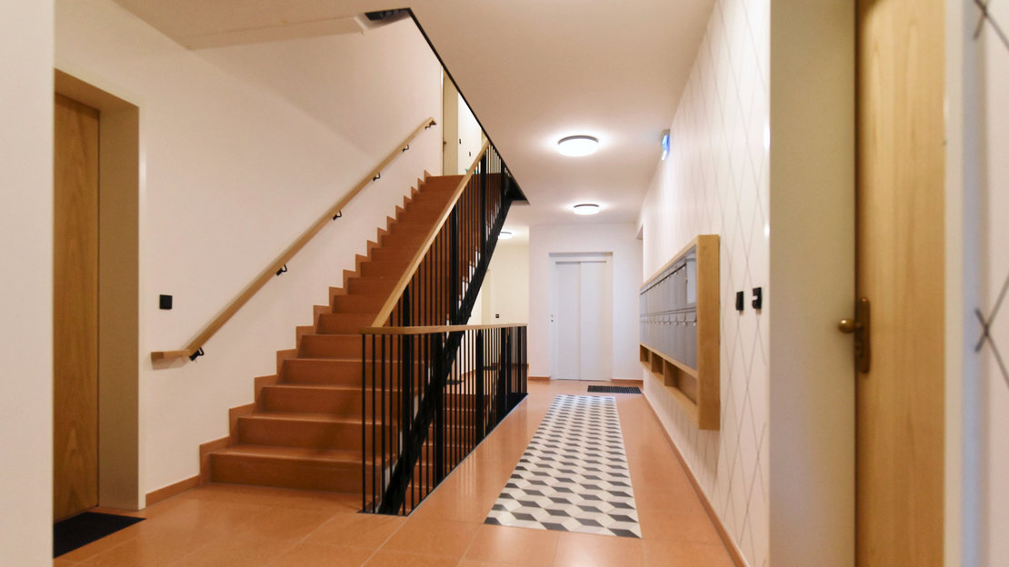 Treppenhaus_Wohnen am Maschsee Altenbekener Damm_Hannover Südstadt_Gundlach Bauträger