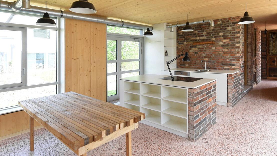 Recyclinghaus am Kronsberg Küche und Essbereich_Gundlach Hannover